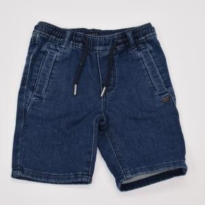 Berumda jeans. logo